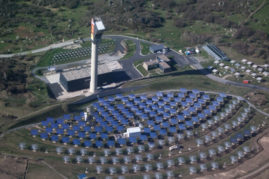 A solar power system built in 1983 that used mirrors to heat up molten salts coolant to 450°C