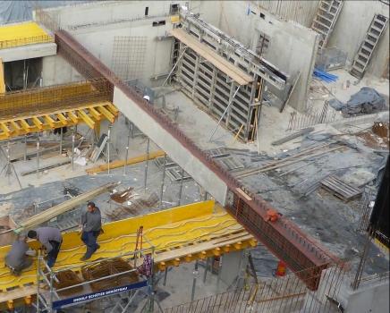 Stahlverbundträger unterhalb der Außenwand von Wohnhaus 1