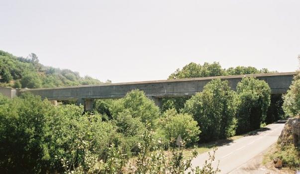 Aquädukt über den Abéou