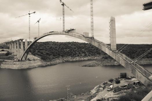 Almonte-Talbrücke