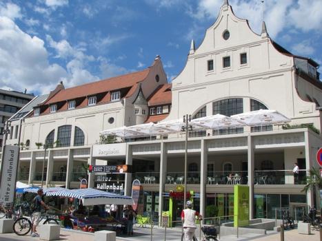 Das Alte Hallenbad in Heidelberg-Bergheim: Ansicht von Süden