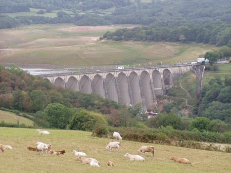 Pannecière-Chaumard Dam