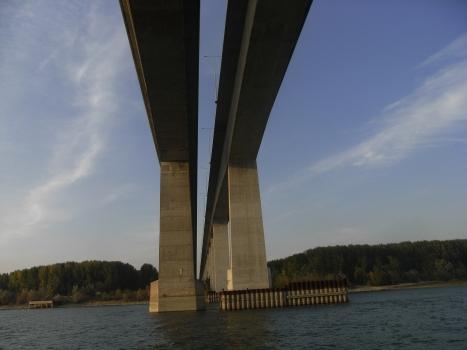 Donaubrücke Beška