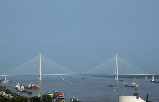 Anqing Yangtze River Road Bridge