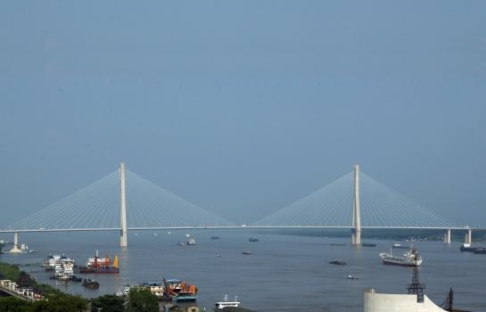 Anqing Yangtze River Road Bridge