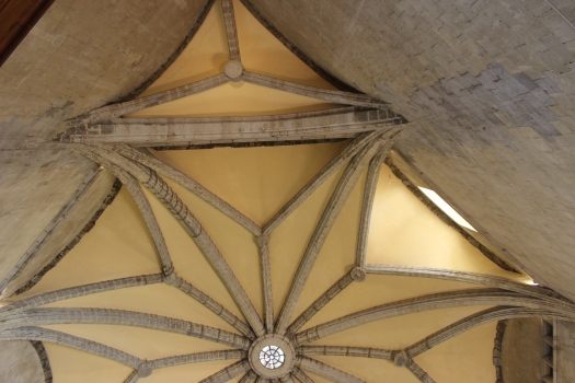 Castel Nuovo in Neapel: Rippengewölbe der Sala dei Baroni