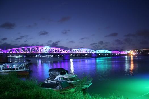 Pont Truong Tien