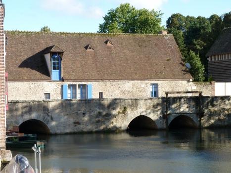 Saint-Père Bridge