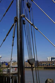 Saint Saviour's Dock Footbridge