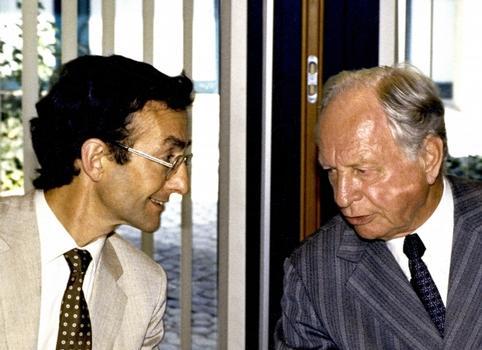 Herbert Schambeck (à gauche) en conversation avec Ulrich Finsterwalder