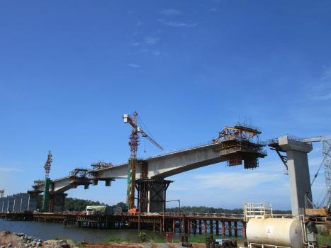 Brücke über die Ogooué-Mündung