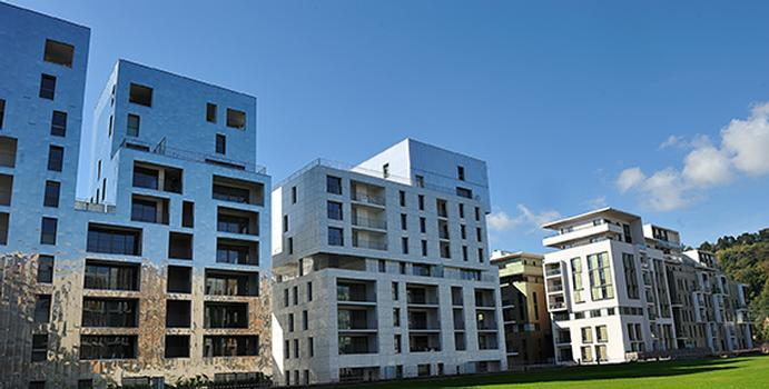 Schöck products and solutions were also used on 12 other buildings designed with exterior insulation in the ZAC. Thanks to the structural and thermal performance of Schöck Rutherma® thermal breaks, all thermal performance and energy targets for the project were obtained