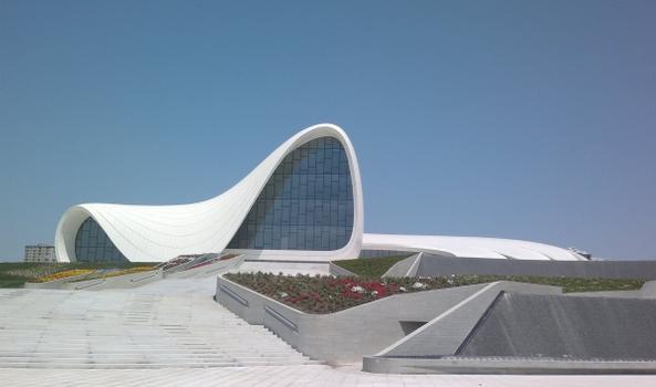 Centre culturel Heydar-Aliyev