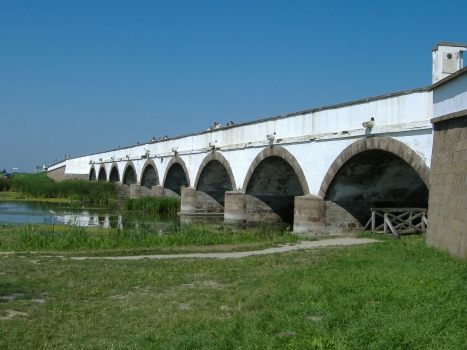Pont des neuf arcs
