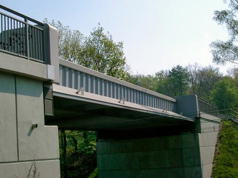 Brücke am Aktienweg über die Eisenbahn, Duisburg