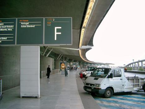 Flughafen Charles de Gaulle Terminal 2F