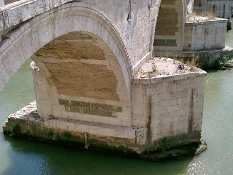 Ponte Sisto, Rom – Pfeiler