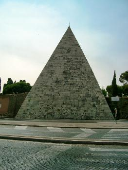 Pyramide des Caius Cestius, Rom