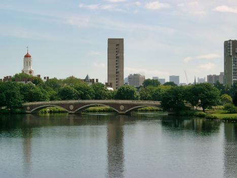 John W. Weeks Bridge, Cambridge/Boston, Massachusetts.