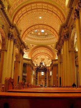 Cathédrale Marie-Reine-du-Monde, Montréal, Québec.  Nef