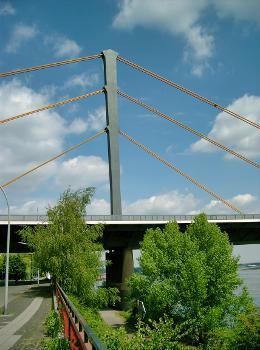Duisburg-Neuenkamp Bridge.