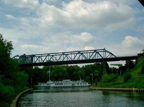 Brücke über den Eisenbahnhafen, Duisburg