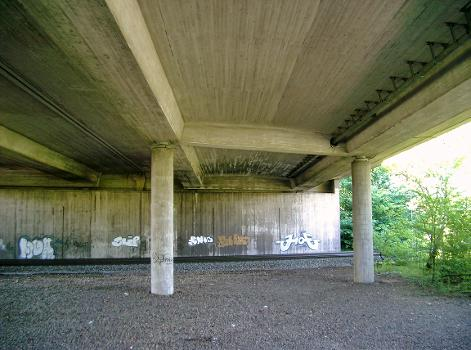Autobahn A524  Autobahnbrücke Ratingen-Lintorf.