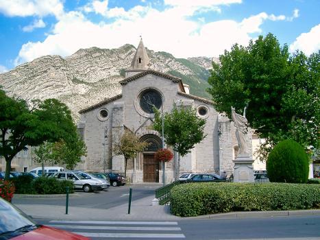 Cathédrale de Sisteron (04)