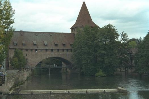 Chain Bridge, Nuremberg, with Fronveste in the background