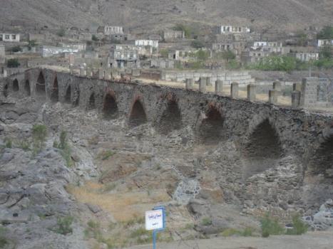 Khoda-Afarin Bridge (13th century)
