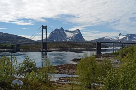 Kjerringvikstraumen Bridge