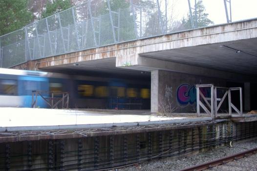 Station de métro Kymlinge
