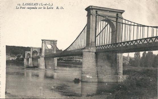 Langeais Bridge