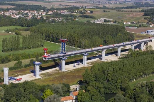 Viaduc de la Charente Nord − LGV Sud-Europe-Atlantique