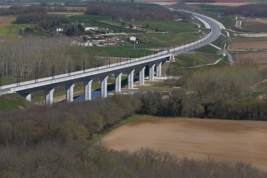 Viaduc de la Charente Nord − TGV Süd-Europa-Atlantik