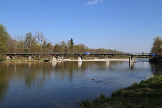 Marienklausensteg : Blickrichtung Ostufer, im Hintergrund nach links der Stichsteg, München