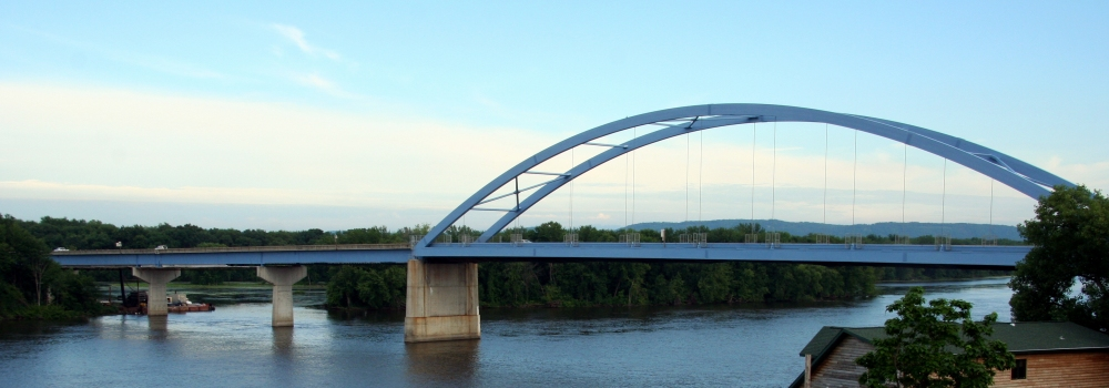 Marquette-Jolliet Bridge