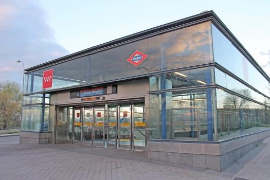 Estadio Olímpico Metro Station