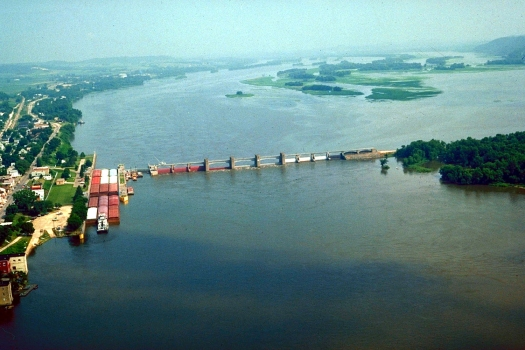 Mississippi River Lock & Dam No. 12