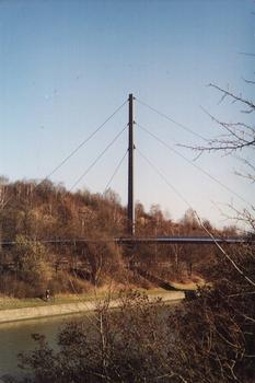 Brücke über den Main-Donau-Kanal an der J. Wild-Strasse in Nürnberg