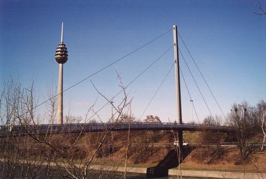 Passerelle sur le Main-Donau-Kanal, Rue J. Wild, Nuremberg.