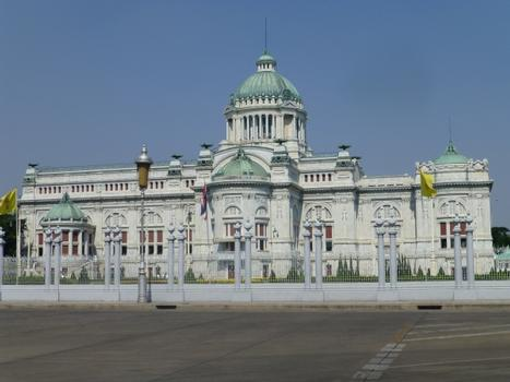 Ananta-Samakhom-Thronhalle
