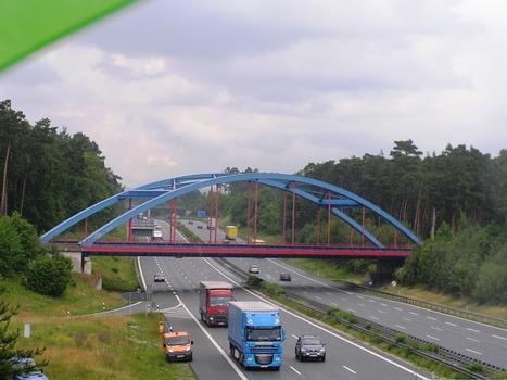 Bahnbrücke über die A9 bei Lauf (II)