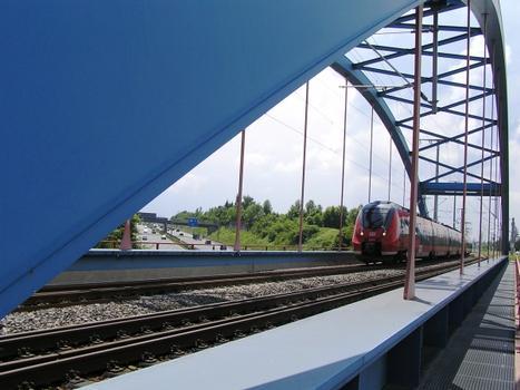 Bahnbrücke über die A9 bei Lauf (I)