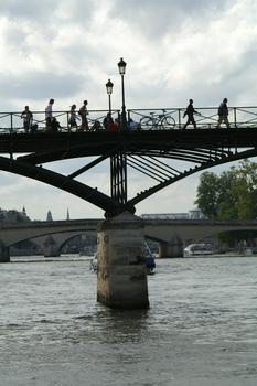 Pont des Arts, Paris.