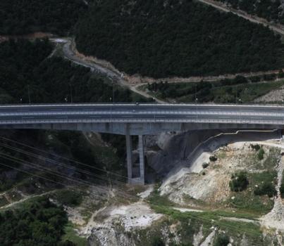Autobahnbrücke Polymylos