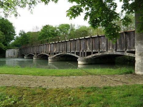 Kanalbrücke Barberey-Saint-Sulpice