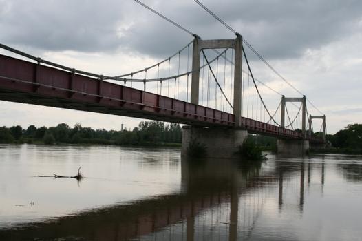 Bonny-sur-Loire Bridge