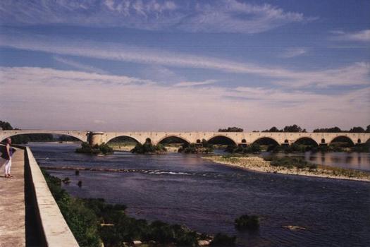 Brücke von Pont-Saint-Esprit
