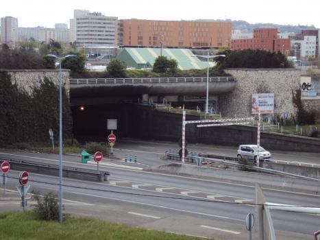 Nanterre-La Défense Tunnel